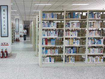 江苏师范大学图书馆钢木书架系列应用案例
